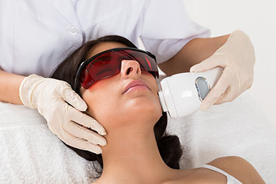 Burlingame residents can get laser skin treatment in Foster City